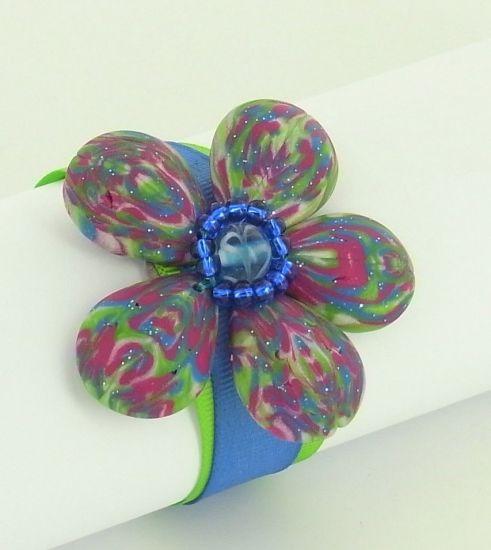 premo! Cabochon Flower Bracelet