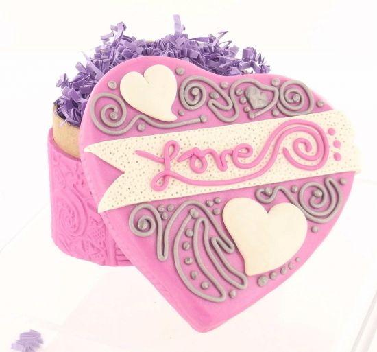 premo! Flirty Heart Box