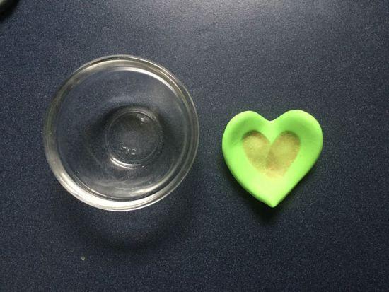 Pluffy Finger Print Heart Dish