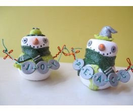 Sculpey Premo™ Peace and Joy Festive Snow Couple