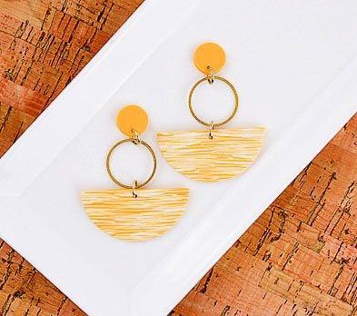 Sculpey Soufflé™ Ochre Faux Ikat Swing Earrings