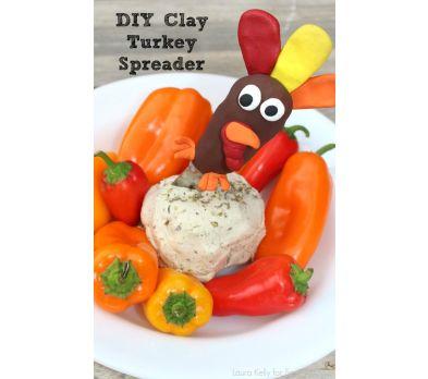 Clay Turkey Decorative Spreader