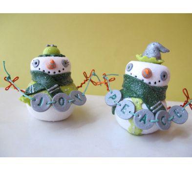 Sculpey Premo™ Peace and Joy Festive Snow Couple