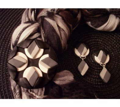 premo! Winter's Beauty Fabric Scarf Pin
