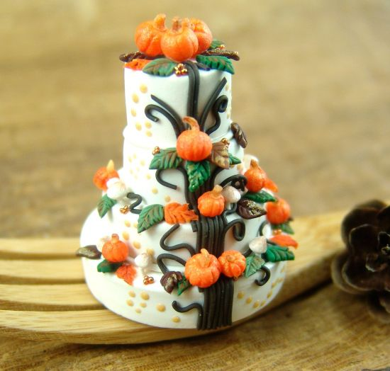 Fall Harvest Cake Tutorial by Mo Tipton, The Mouse Market