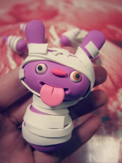 make polymer clay monster mummy