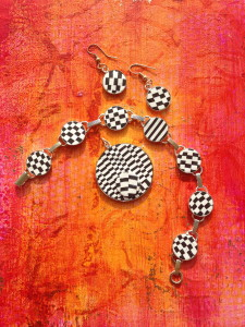 Black and White Sculpey jewelry is on my Christmas to do list!