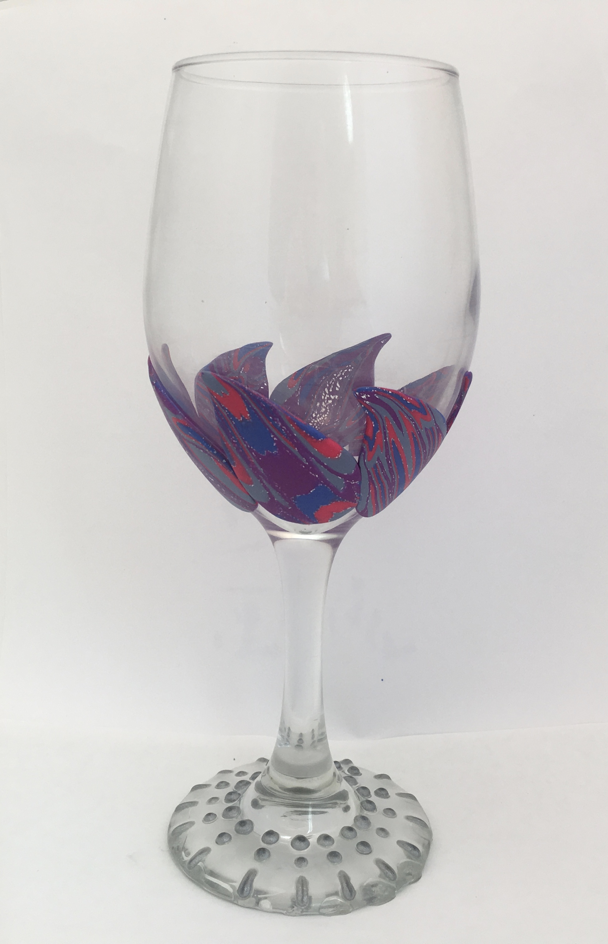 add clay slices to wine glass